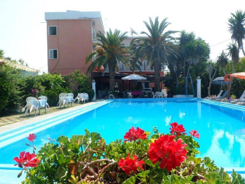 Hotel Angela Beach Korfu bazén