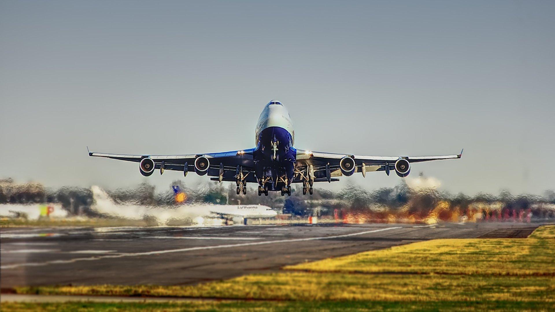 Sledování letadel s FlightRadar24.com a dalšími