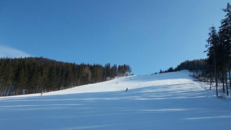 Krásné široké sjezdovky ve Ski Dolní Morava.