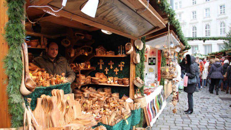 Rukodělné výrobky na Vánoční trhy Vídeň