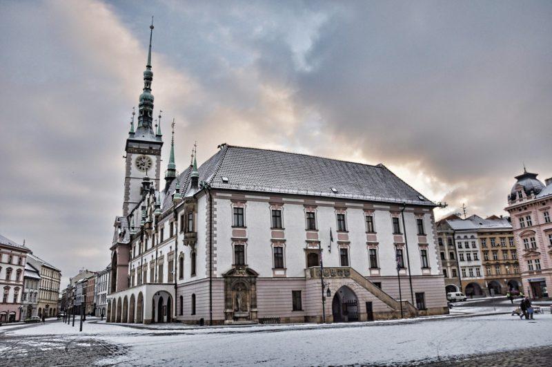 Radnice a náměstí v zimě je opravdu kouzelné.