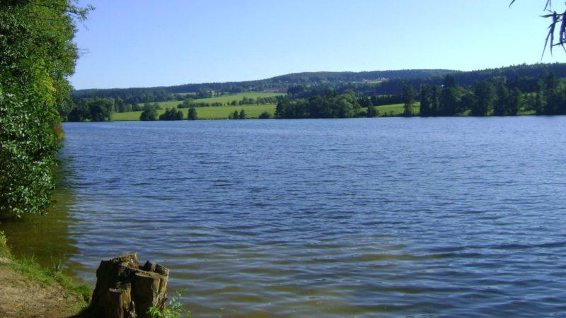 rybník v CHKO Brdy