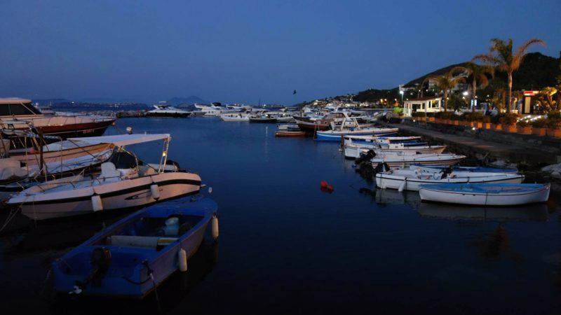 Ischia v noci