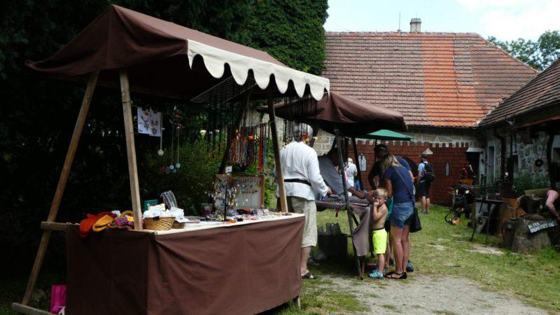 Na hradě Houska se koná spousta akcí - divadlo, trhy, jarmarky