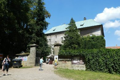 Hrad Houska – Úžasný gotický hrad je prý vchodem do pekla