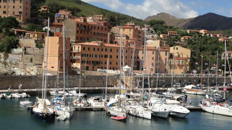 Přístav na ostrově Elba