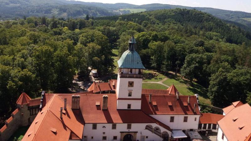 Výhled z hradu Bouzov do krajiny