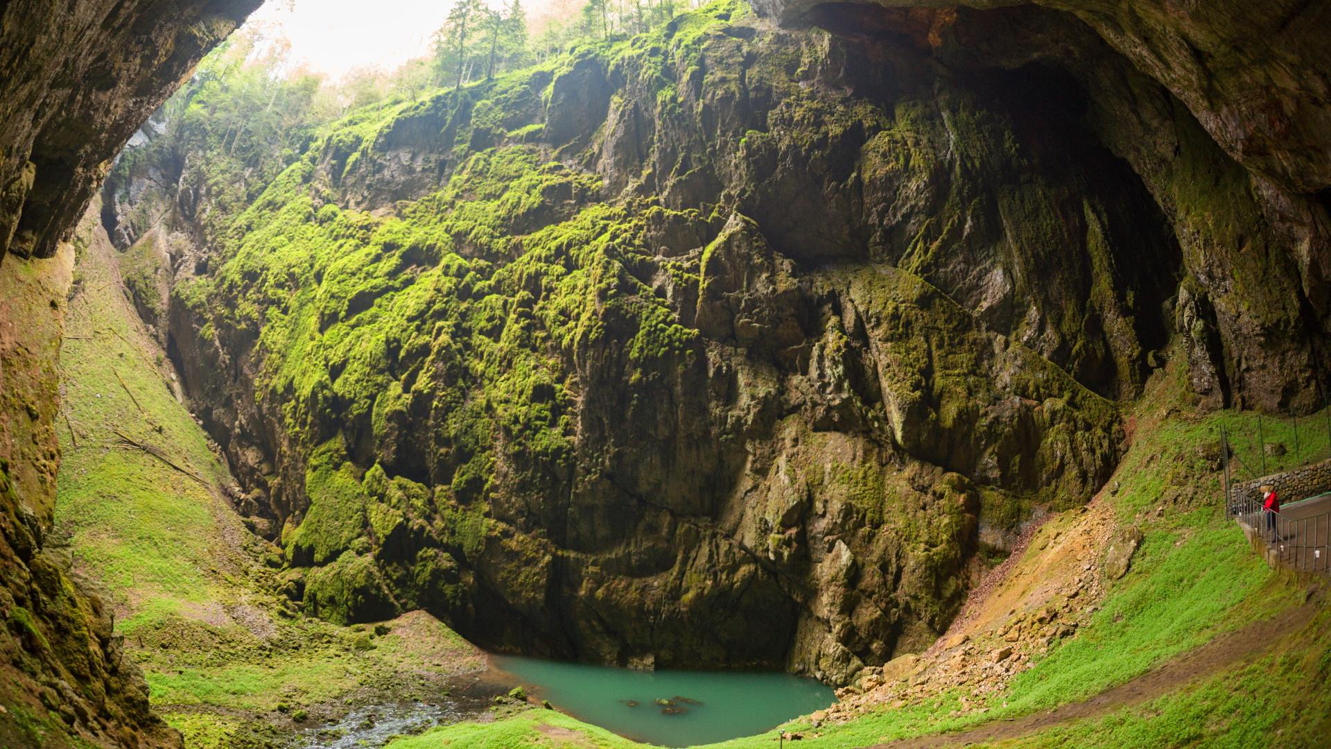 Moravský kras – Mapa CHKO, ubytování, jeskyně