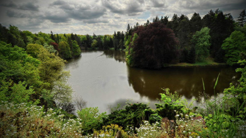 Průhonický park je nejhezčí na jaře, ale nezklame ani v ostatní roční doby