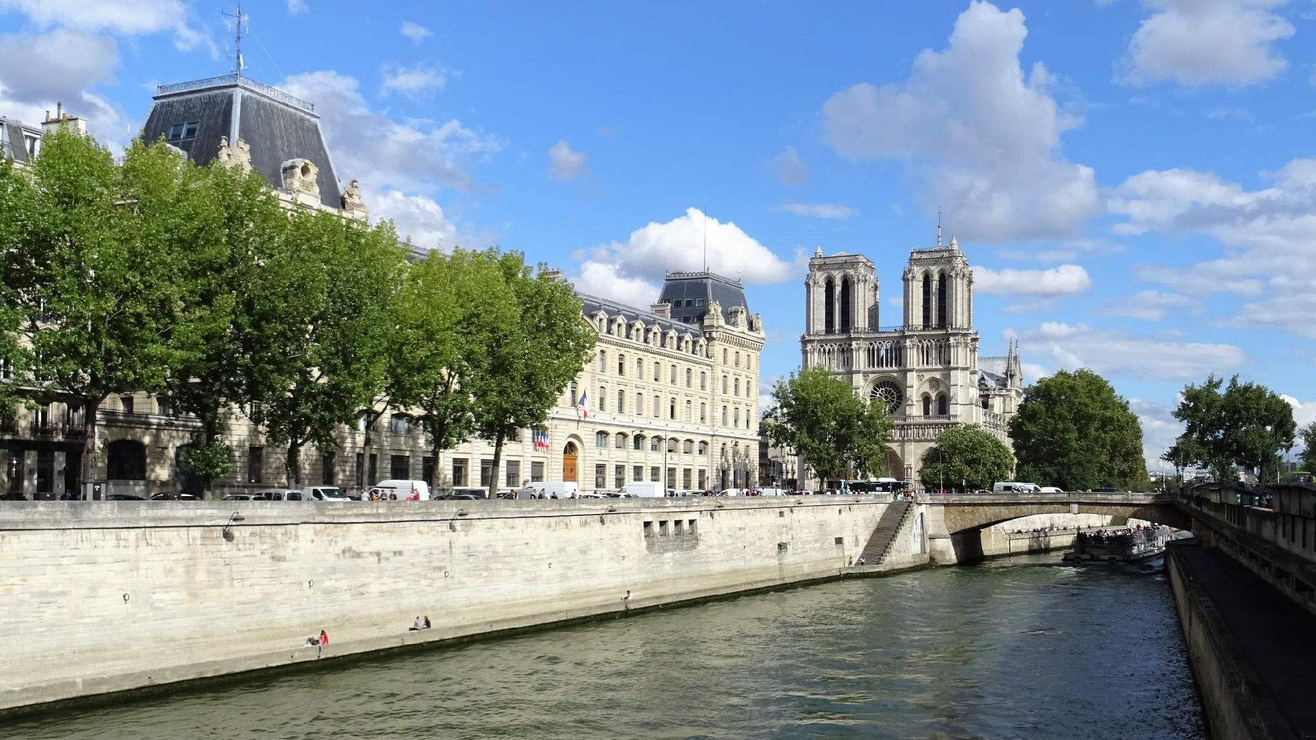Chrám Matky Boží v Paříži - Katedrála Notre Dame