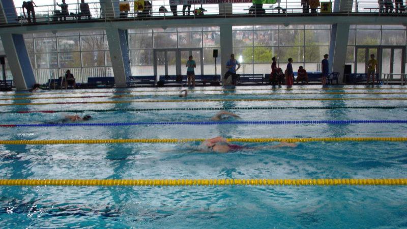 Pohled na vnitřní 50 m bazén na Podolí