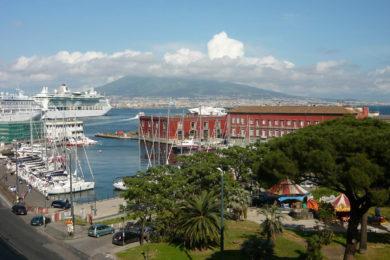 Neapol – Průvodce, mapa, památky, pláže