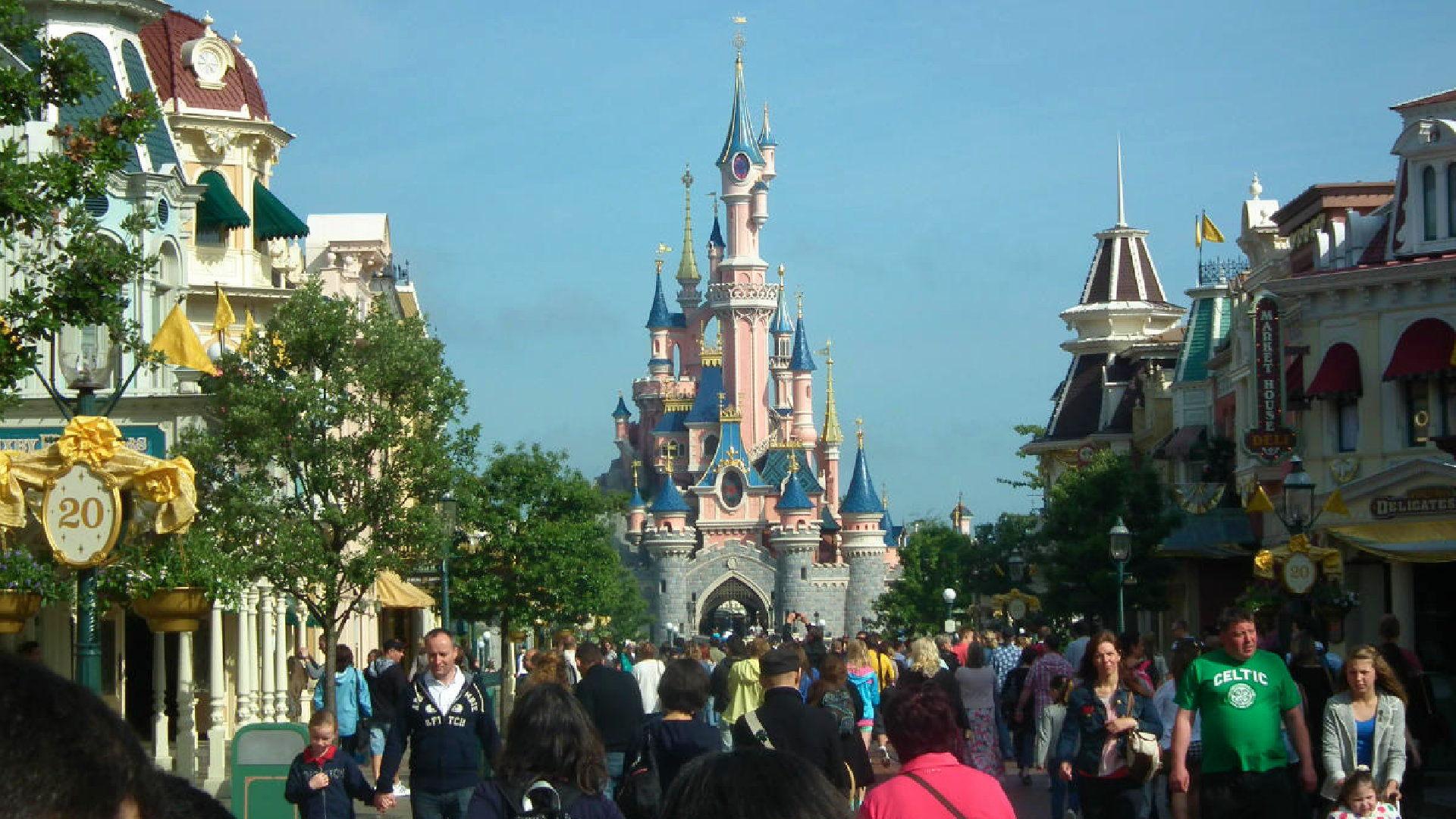 Disneyland Paříž – Průvodce, vstupné, mapa