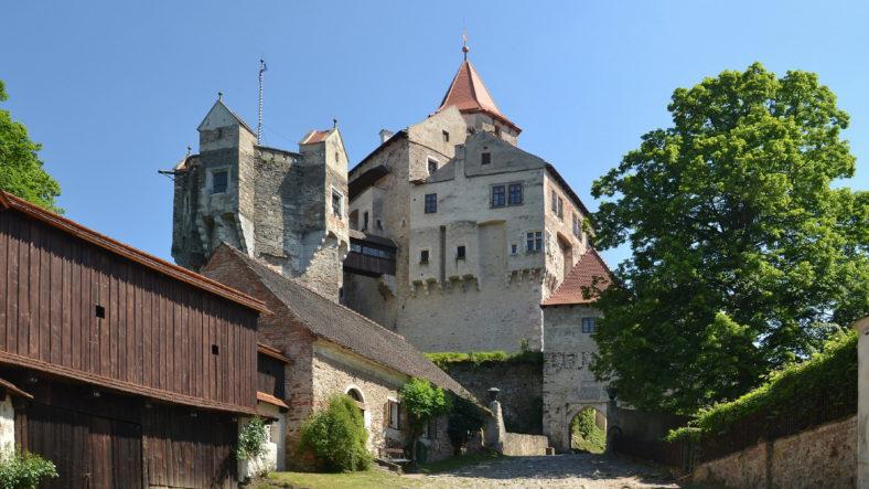 Hrad Pernštejn – Pivovar, akce, otevírací doba