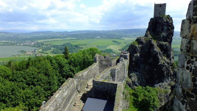 Celkový pohled na hrad je opravdu úžasný, užít si ho může každý