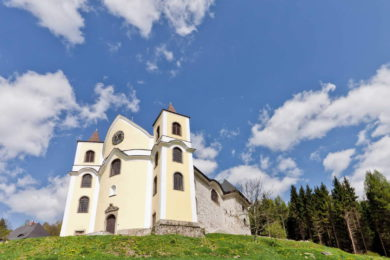 Kostel Neratov v Orlických horách + ubytování a pivovar