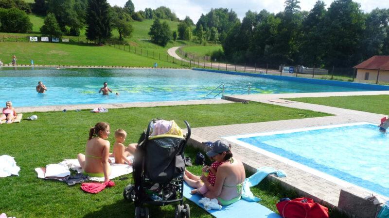 Bazén je chloubou celého areálu