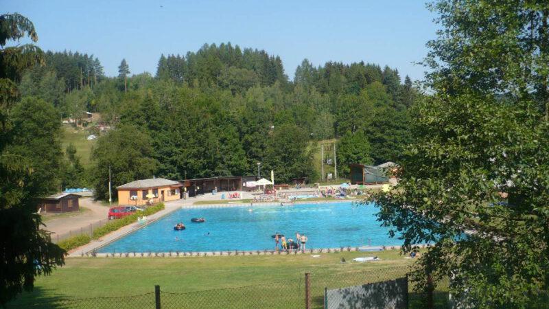 Bazén hezky v celku