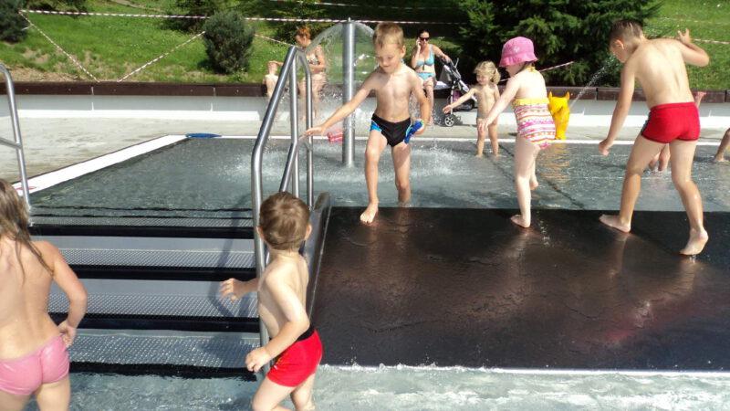 Moderní dětský bazén je také úžasný