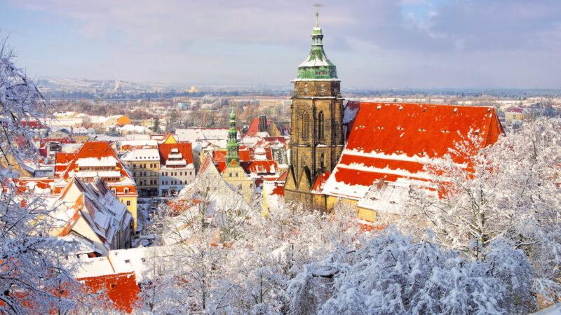 Zasněžená Pirna v zimě je opravdu romantická