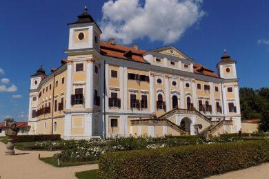 Zámek Milotice u Kyjova – Kostými, otevírací doba, akce