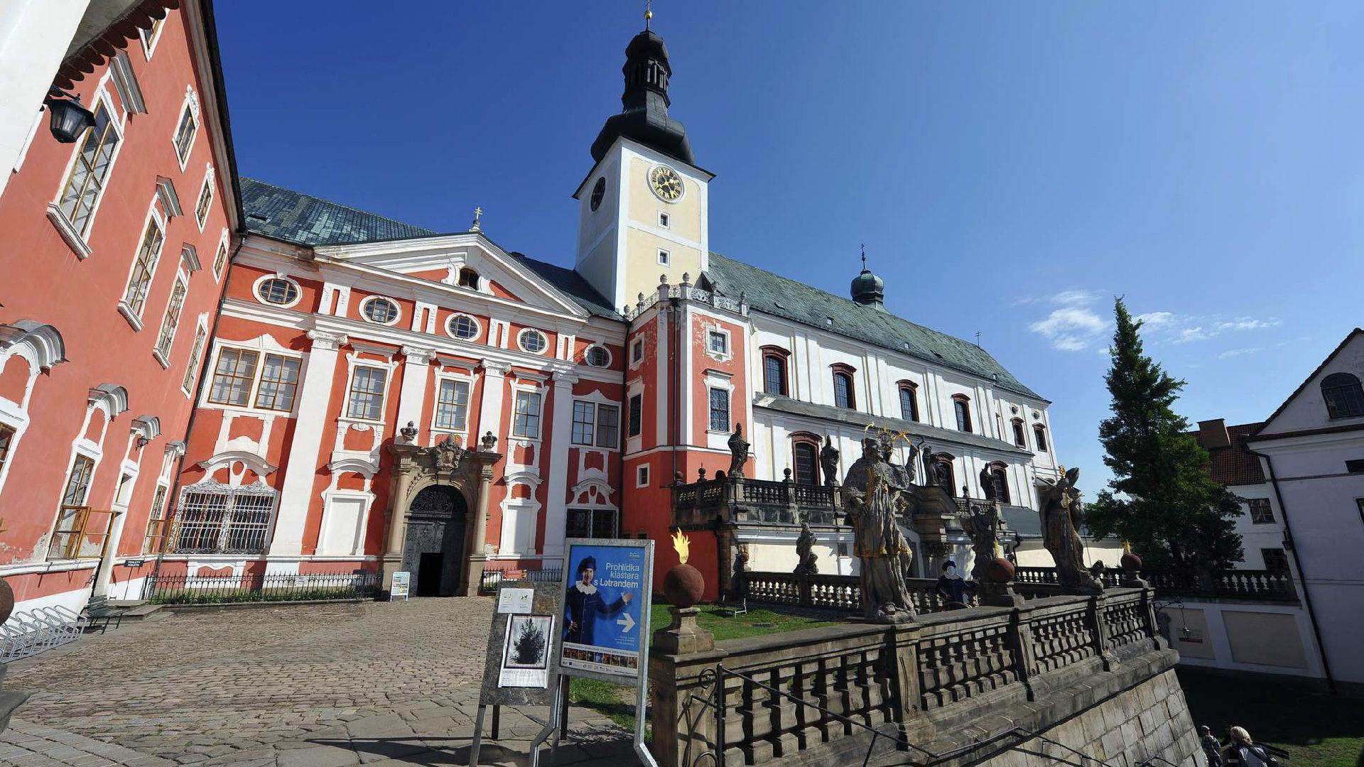 Broumovský klášter – Ubytování, otevírací doba, vstupné