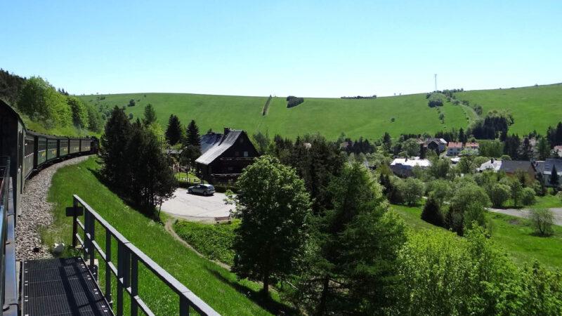 V Oberwiesenthalu jezdí oblíbený parní vláček
