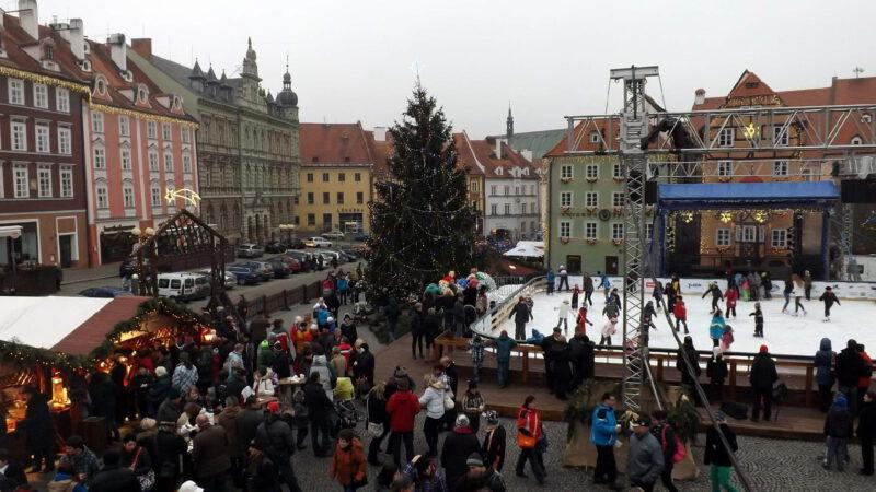 Celkový pohled na Vánoční trhy Cheb
