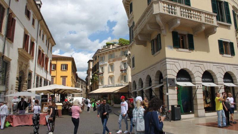 Verona je živé město, žádný skanzen