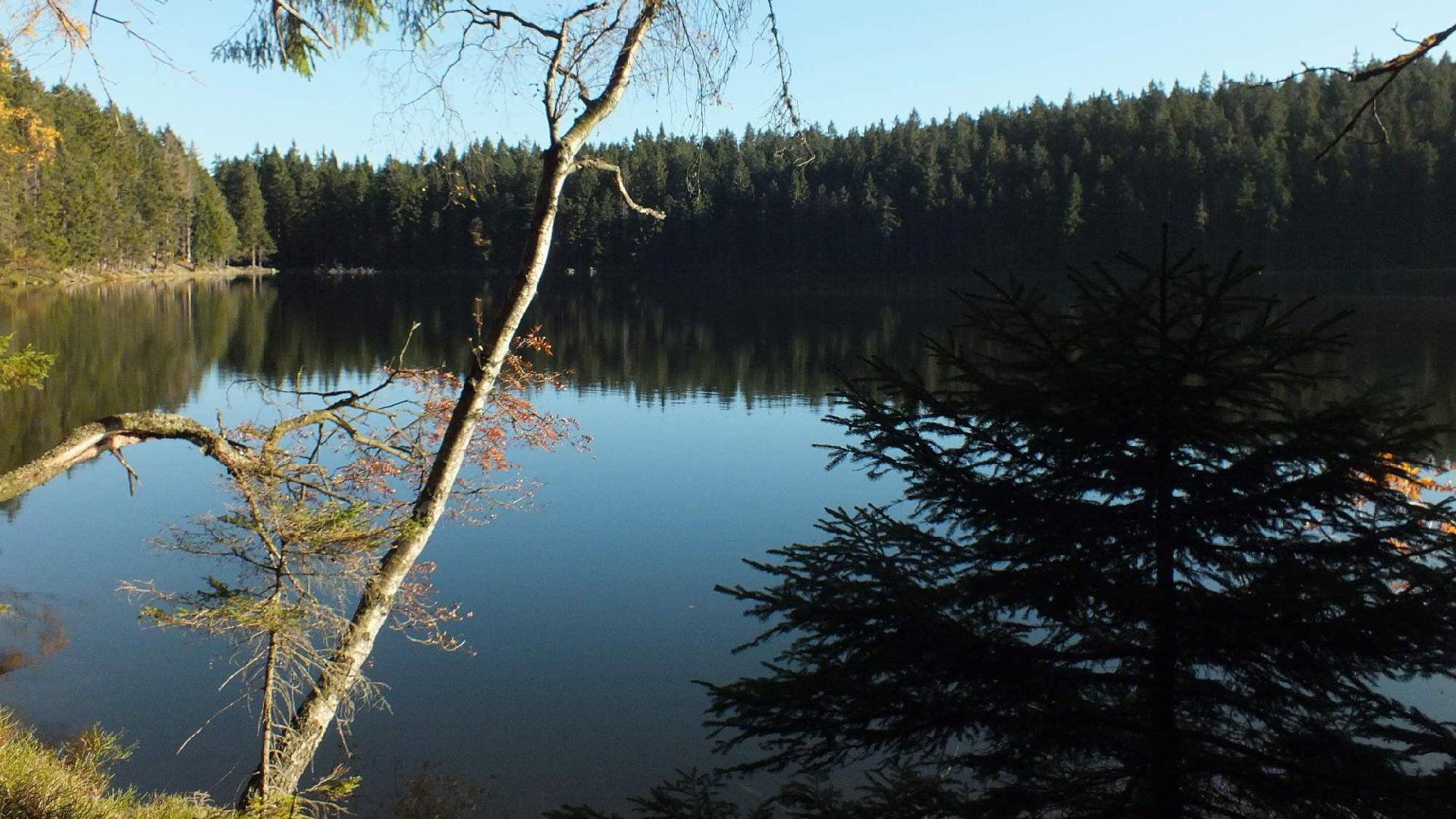 Čertovo jezero Šumava – Mapa, trasa, pověsti