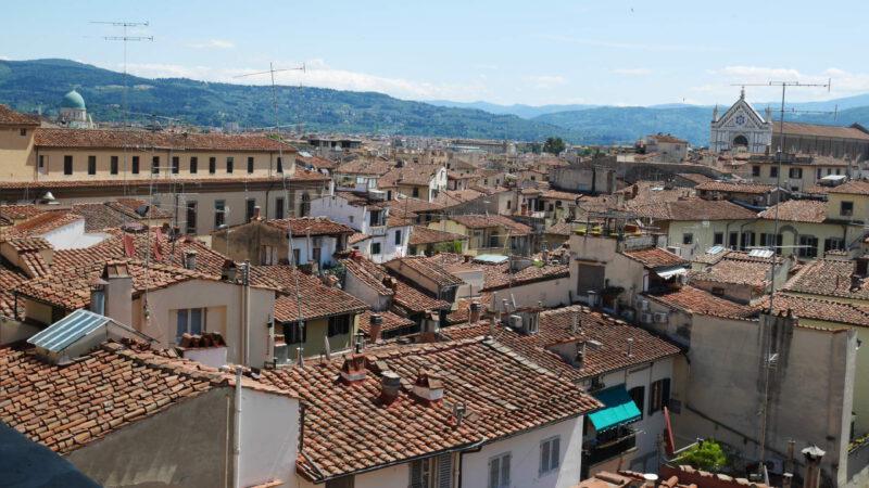 Florencie a její nenápadné stříšky