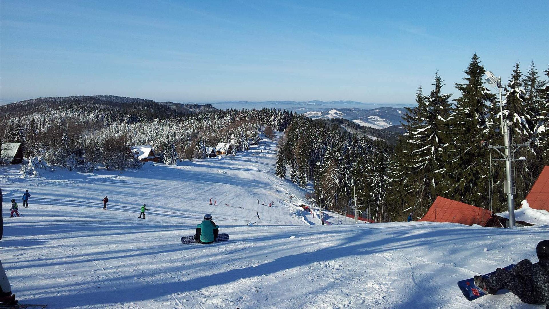 Ski Kohútka u Nového Hrozenkova – Průvodce skvělým ski areálem v srdci Beskyd