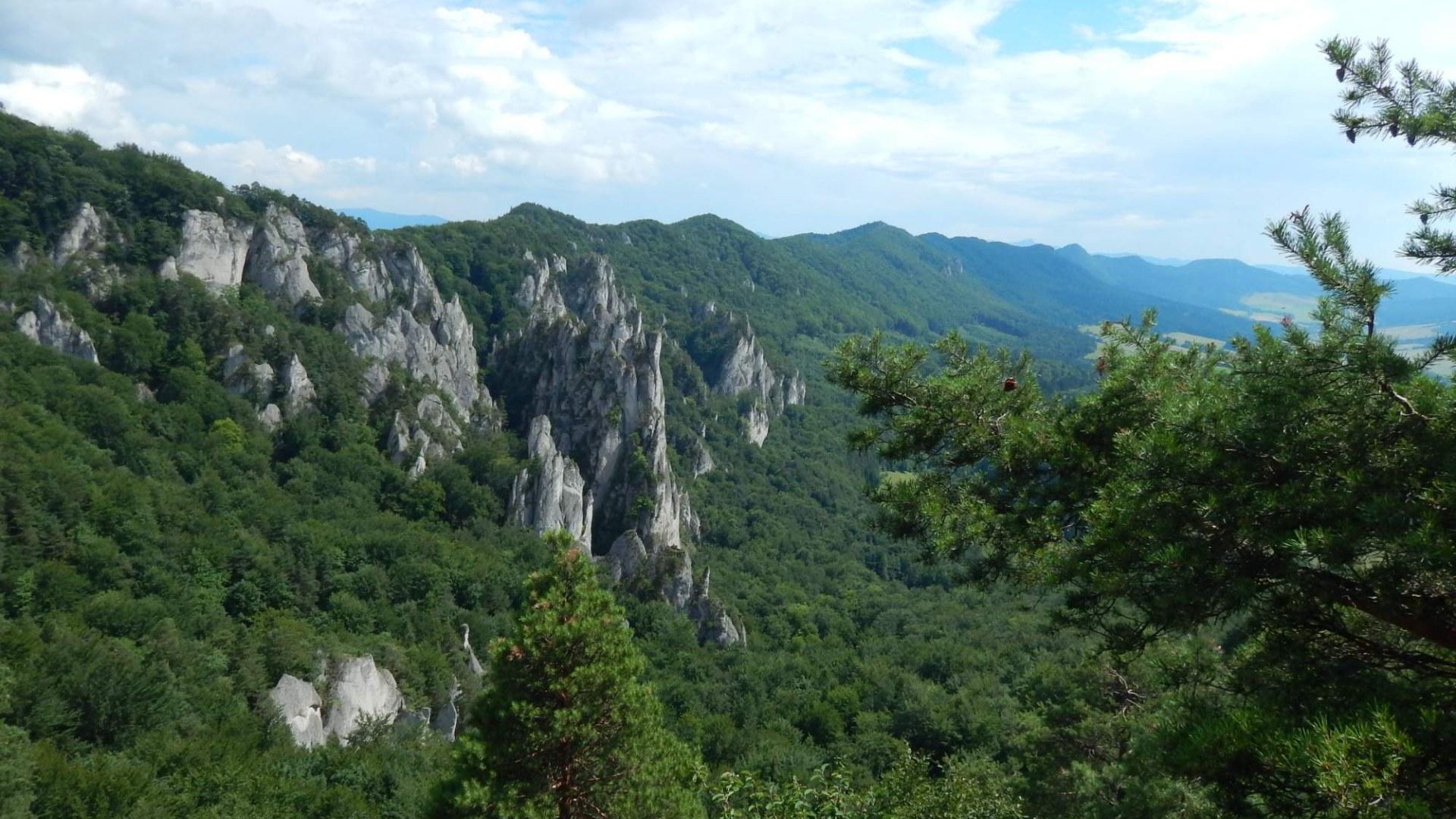 Sulovské skály na Slovensku – Poznejte úžasnou přírodu hned za hranicemi