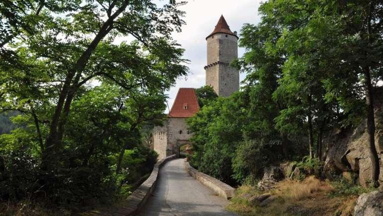 Hrad Zvíkov – Průvodcem hradem i zahradami