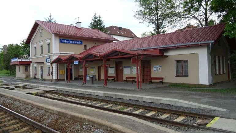 Nádraží Veleslavín průvodce – Autobus, vlak i metro