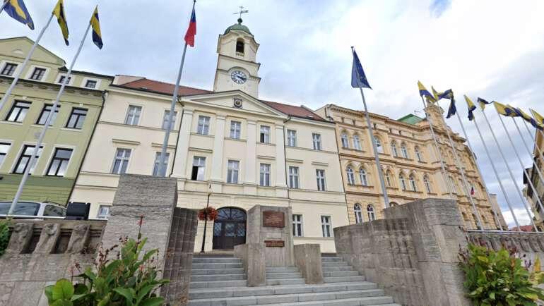 Magistrát Teplice průvodce – Otevírací doba, odbory, rezervace