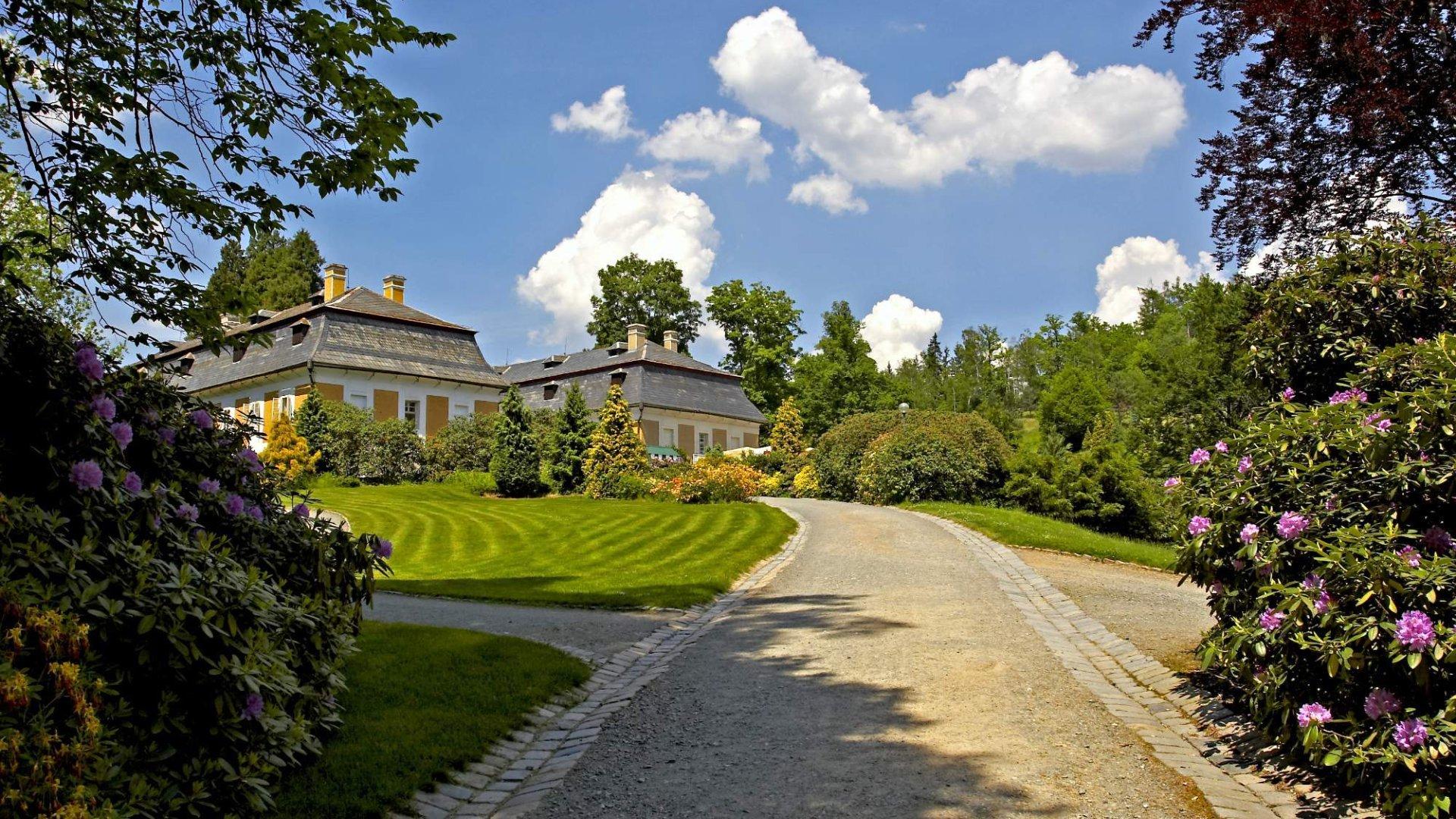 Zámek Kozel nedaleko Plzně – Osobní a obsáhlý průvodce