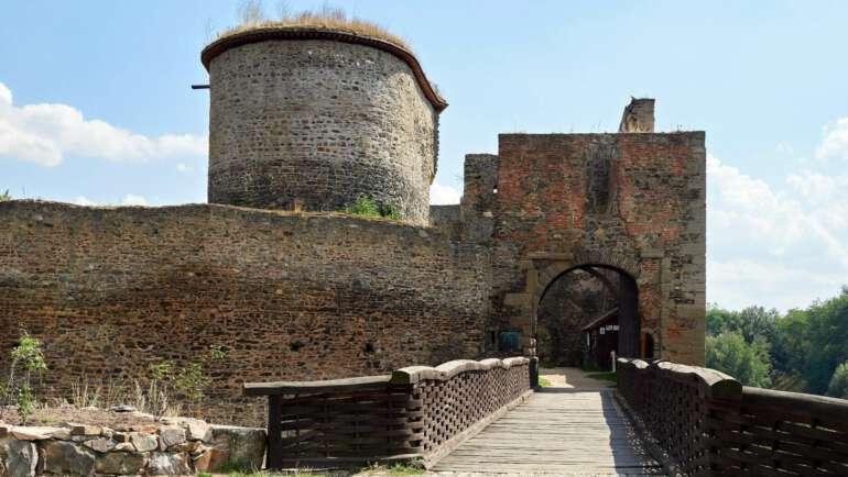 Hrad Krakovec u Rakovníka – Průvodce, mapa, vyčerpávající informace